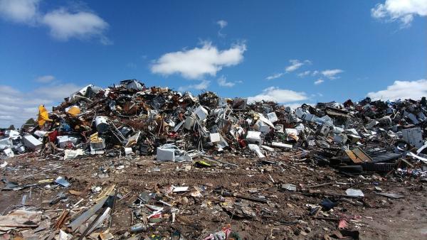 Décharge sauvage de déchets - trier ses déchets